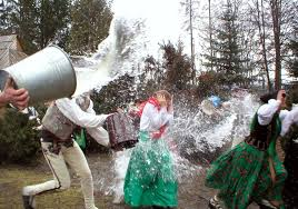 """Tradition in Poland - Wet Monday in Poland - """"Śmigus-Dyngus"""" - After Brexit  Support 